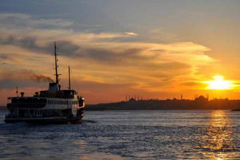 Istanbul - Tramonto sul Bosforo